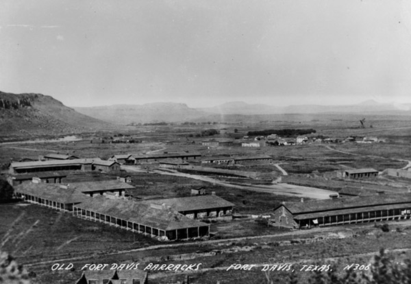 Black and white aerial photo of Fort Davis in 1948